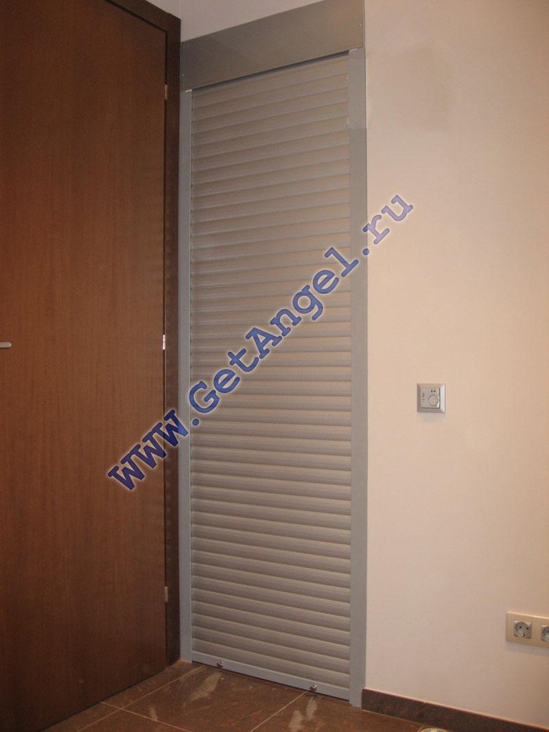 Дверь в кладовку фото